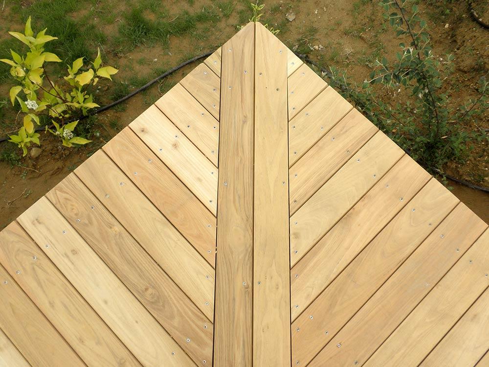 piquets en bois pour l 39 agriculture piquets de vigne ou piquets pour l 39 arboriculture. Black Bedroom Furniture Sets. Home Design Ideas