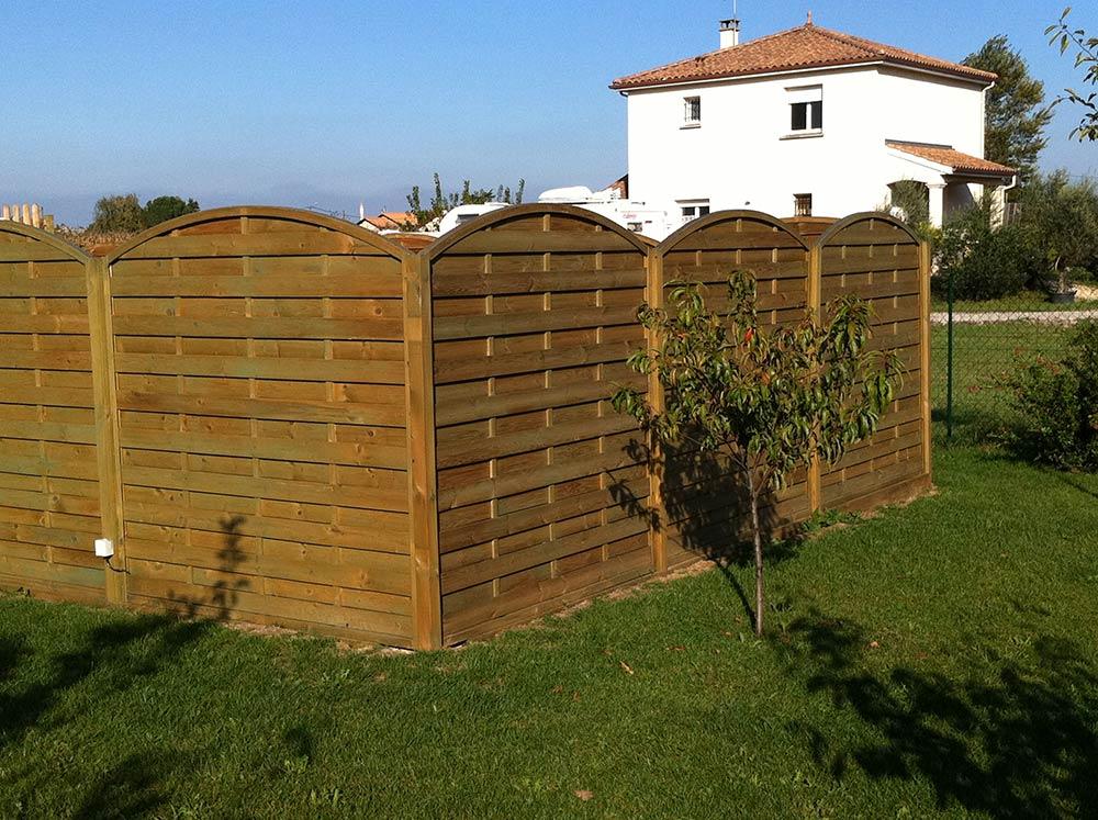 bois pour l 39 am nagement d 39 ext rieur lames pour terrasse bardages panneaux chalets barri res. Black Bedroom Furniture Sets. Home Design Ideas